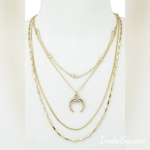 Jewelry - Layered New Moon Necklace gold.